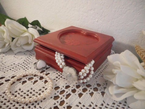 Red Heart Jewelry Box