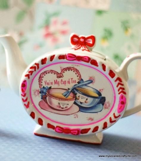 Retro Valentine Teapot