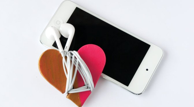 Heart Hadphone Cord Wrap