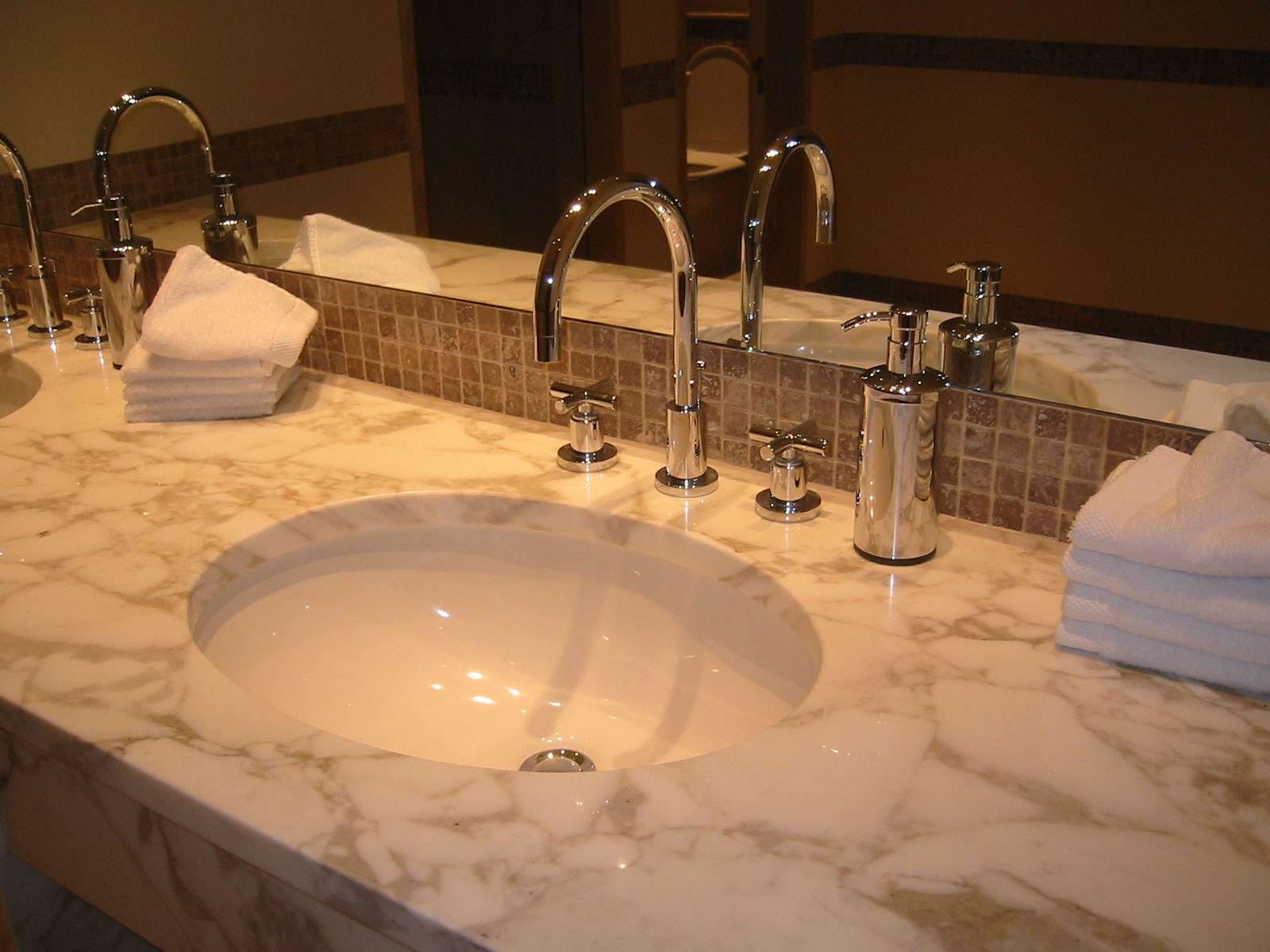 ADL Supply Blog   Tag   Bathroom sinks Photo Credit  Google