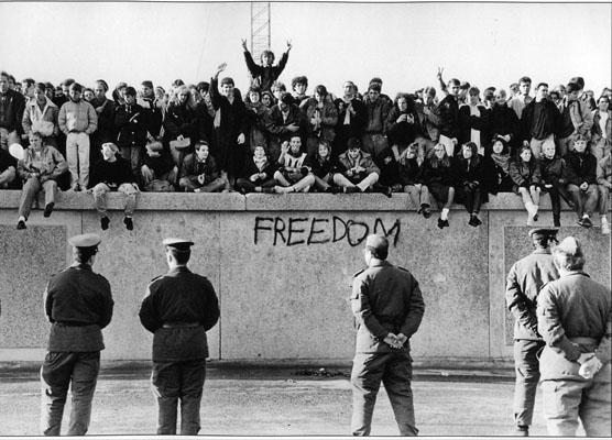 Image result for berlin duvarı