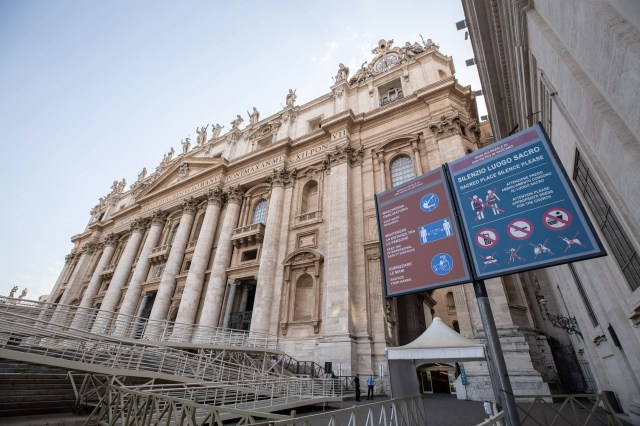 Rules for entering St. Peter's Basilica include using a COVID-19 mask, keeping physical distance from others, and wearing appropriate clothing. Daniel Ibanez/CNA