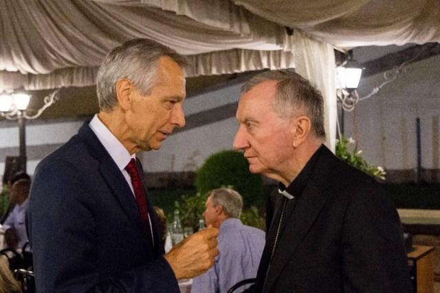 Ján Figeľ talks to Cardinal Parolin at a 2018 meeting of the International Catholic Legislators Network in Frascati, Italy. Ján Figeľ personal archive.
