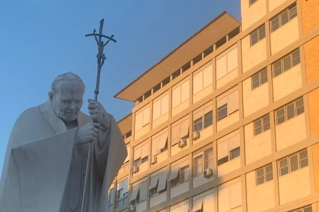 Rome's Gemelli Hospital, pictured on July 5, 2021, as Pope Francis convalesces after a surgery. / Courtney Mares/CNA.