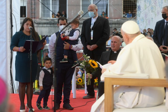 Nikola and René Harakaly, former residents of the Linuk IX district, and their two sons spoke to Pope Francis on Sept. 14, 2021. Vatican Media