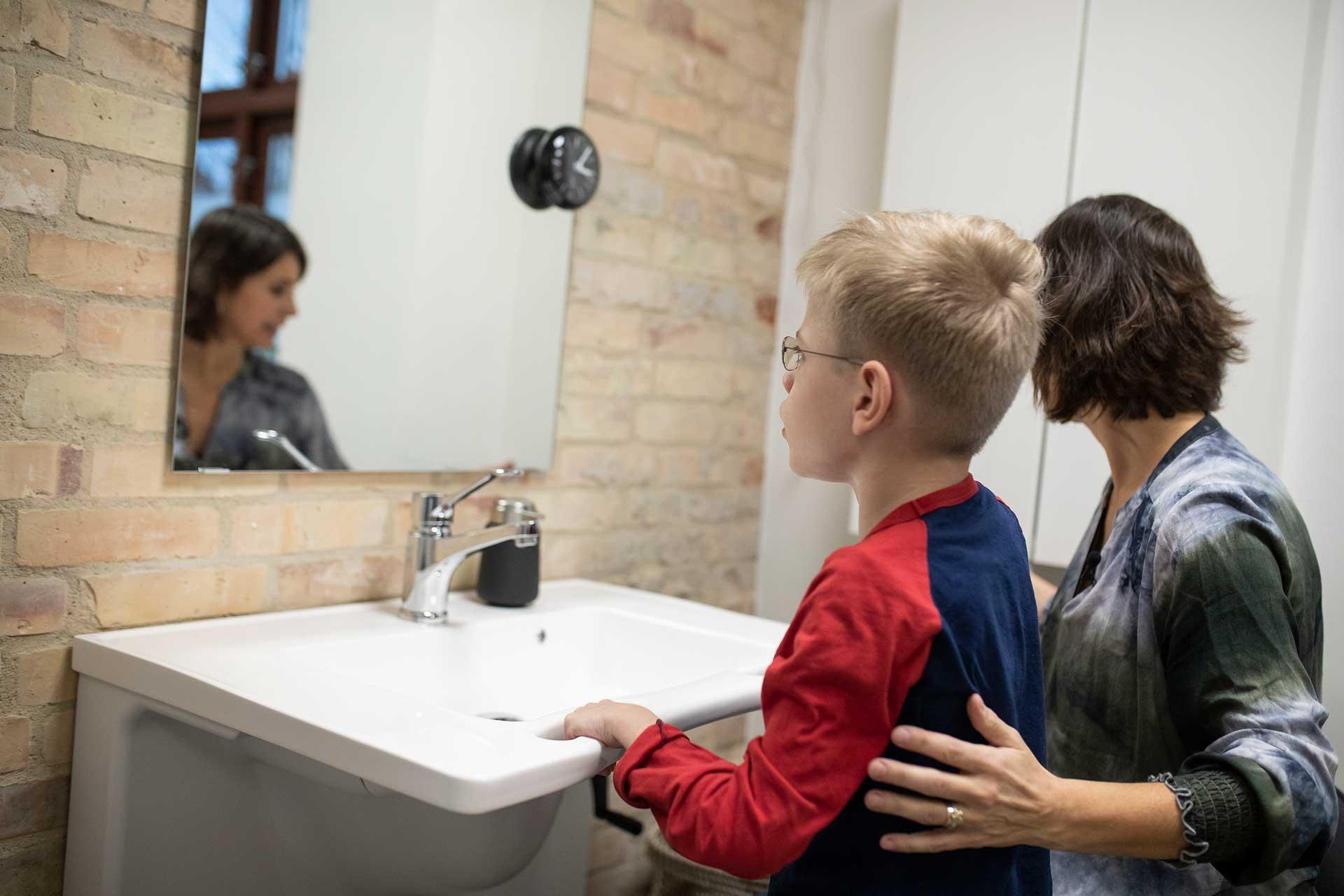 height adjustable bathroom aids