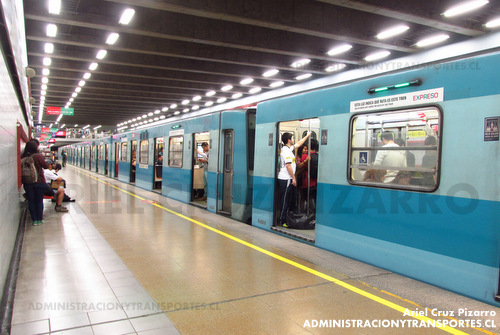 El primer tren de Metro de Santiago: Alsthom NS74