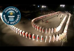 Largest human mattress dominoes