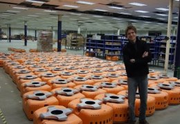 Amazon Warehouse Robots : Mind Blowing Video