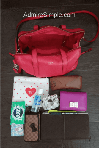 declutter and organize your purse, clean out purse