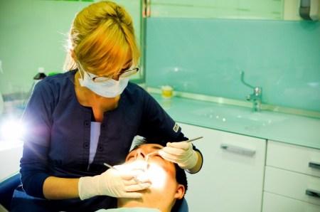 lucrare dentară