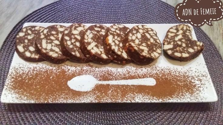salm de biscuiti tropical