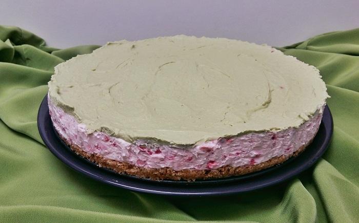 cheesecake cu matcha si zmeura