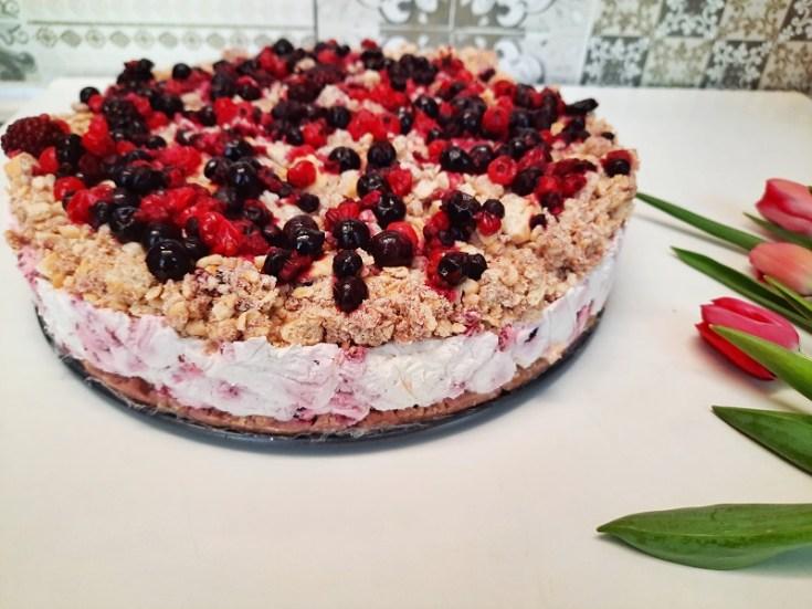 cheesecake simplu cu fructe de pădure