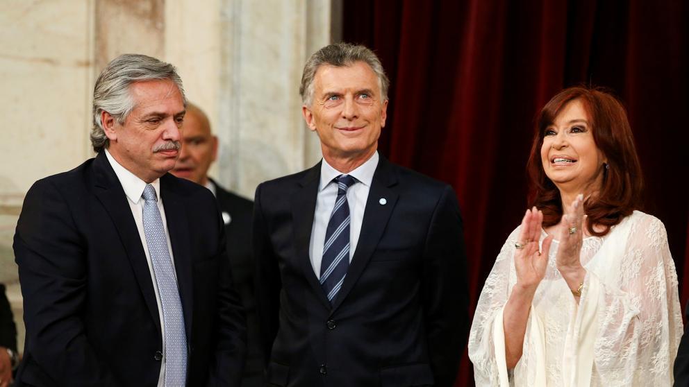 Asumió nuevo presidente de Argentina en medio de crisis política y económica