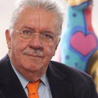 En Colombia las canas y la experiencia se respetan.. Gano tutela ex ministro contra el gobierno Duque