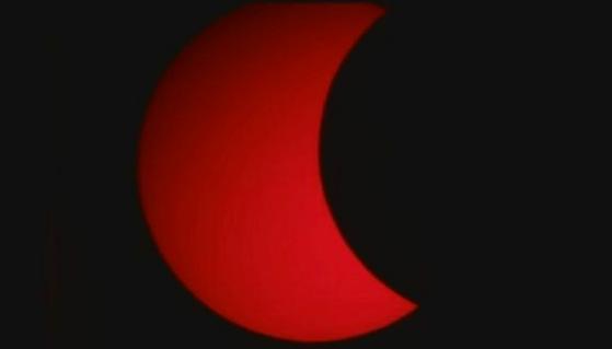 Maravilla eclipse a millones de personas