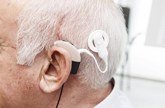 Implantes cocleares para pérdida auditiva avanzada (21:00 h)
