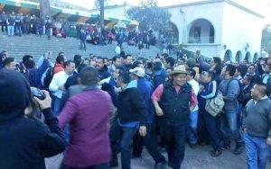protesta durante mitin de murat