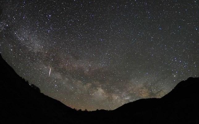 No te pierdas hoy 22 de abril la Lluvia de meteoros Líridas (15:00 h)