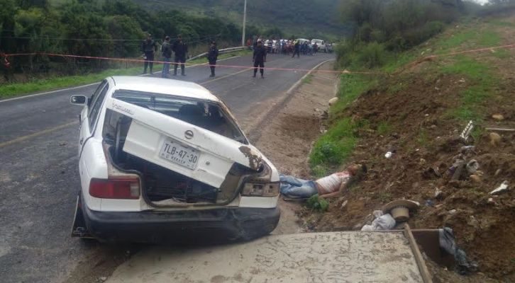 Aparece cadáver en carretera Juxtlahuaca-Putla (20:12 h)