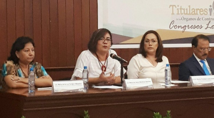 Participa contralora en Reunión Nacional de Órganos de Control Interno de Congresos Locales (22:00 h)