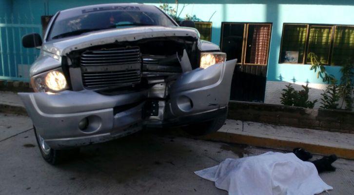 En San Marcos Arteaga acribillan a conductor de camioneta (13:00 h)