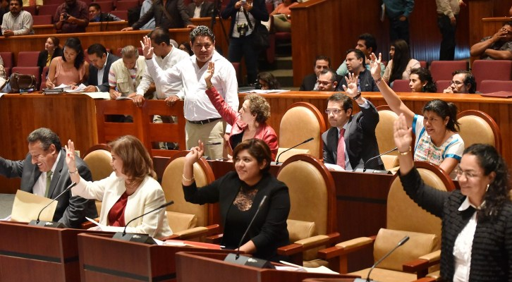 Aprueba 63 Legislatura de Oaxaca Plan Estatal de Desarrollo 2016-2022 (22:30 h)