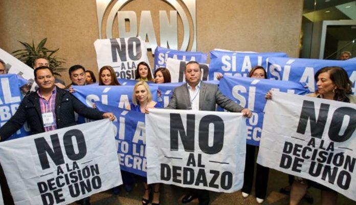 En medio de protestas, PAN avala coalición con PRD y MC (21:00 h)