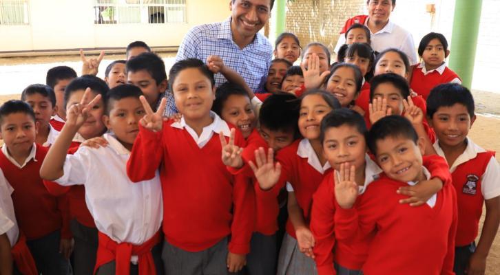 Con obras ratifico mi compromiso  por la educación: Alejandro López Jarquín (22:00 h)