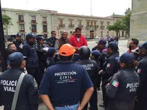 CAPACITACIÓN POLICÍAS Y PC (2)