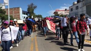 normalistas marchan