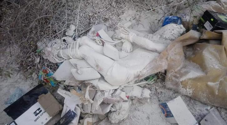 Con tiro de gracia y maniatado encuentran un cuerpo en la carreteraJuchitán-Unión Hidalgo (22:00 h)