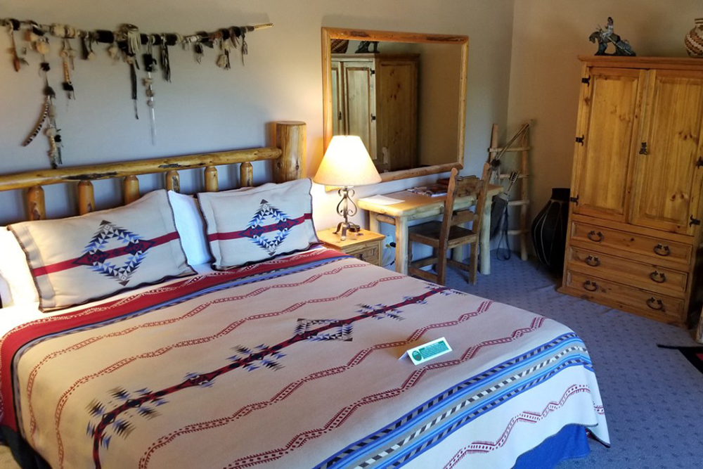 Anasazi Room with Bed, Desk & Hutch