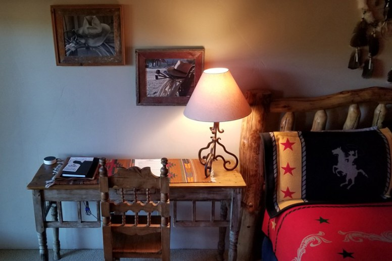 Vaquero Room with Desk