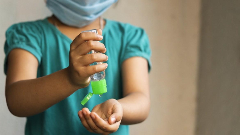 Cansancio, cefaleas y dificultades de atención, síntomas que pueden persistir tras tener coronavirus