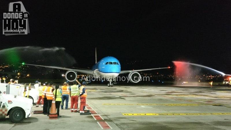 vuelo directo amsterdam costa rica en KLM