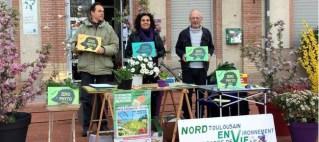 La Dépêche du Midi : Sensibilisation sur le parvis de la mairie d'Aucamville