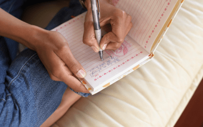 Give a hand to writing: Doing a journal is engaging