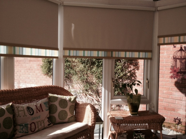 add-style-to-your-windows-with-roller-blinds