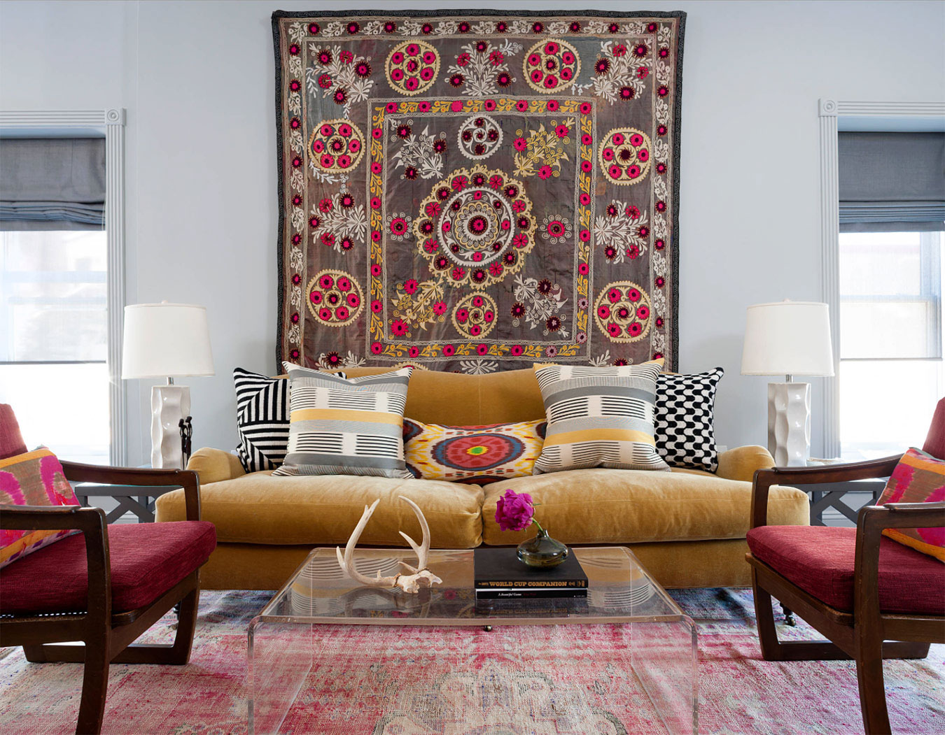 Non-Traditional Wall Décor Ideas to Make a Bold Statement ... on Wall Decoration  id=36254