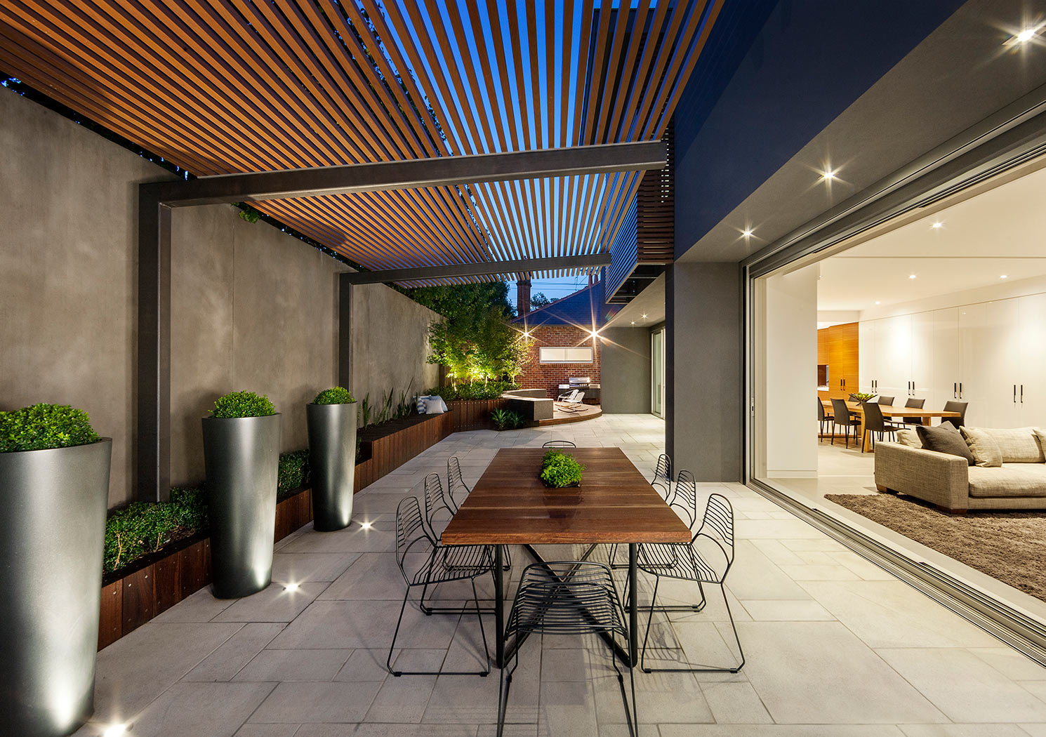 Creating a Seamless Indoor-Outdoor Transition Between ... on Seamless Indoor Outdoor Living id=48128