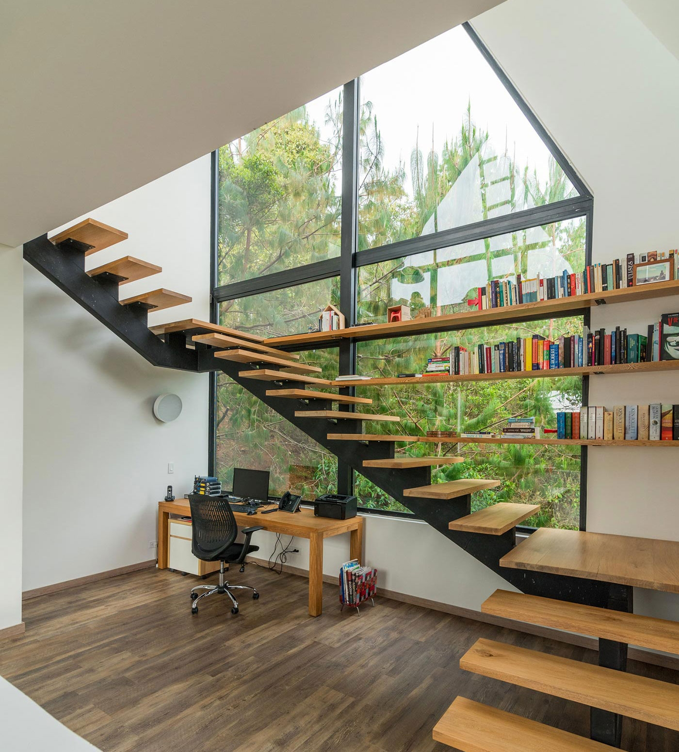 Best Staircase Designs For The Modern Home – Adorable Home | Staircase Designs For Homes | Concrete | Contemporary | Modern | Round | Luxury
