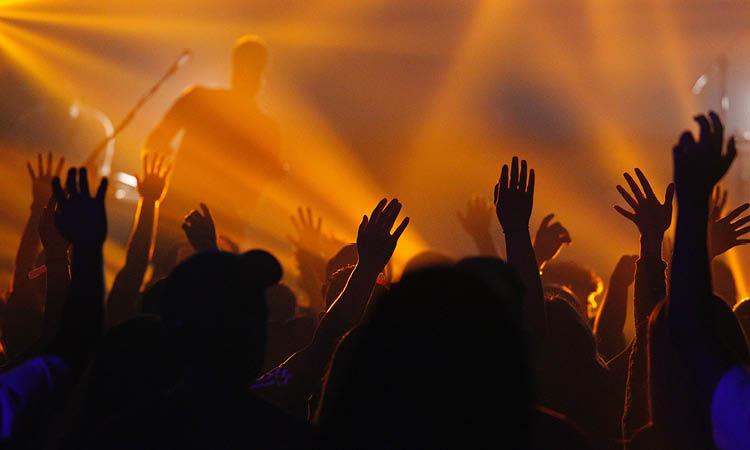 3 questions à se poser avant de s'engager dans le ministère de l'adoration