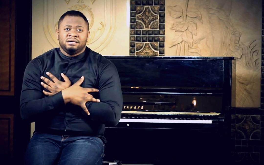 Biographie du chantre Moïse Mbiye