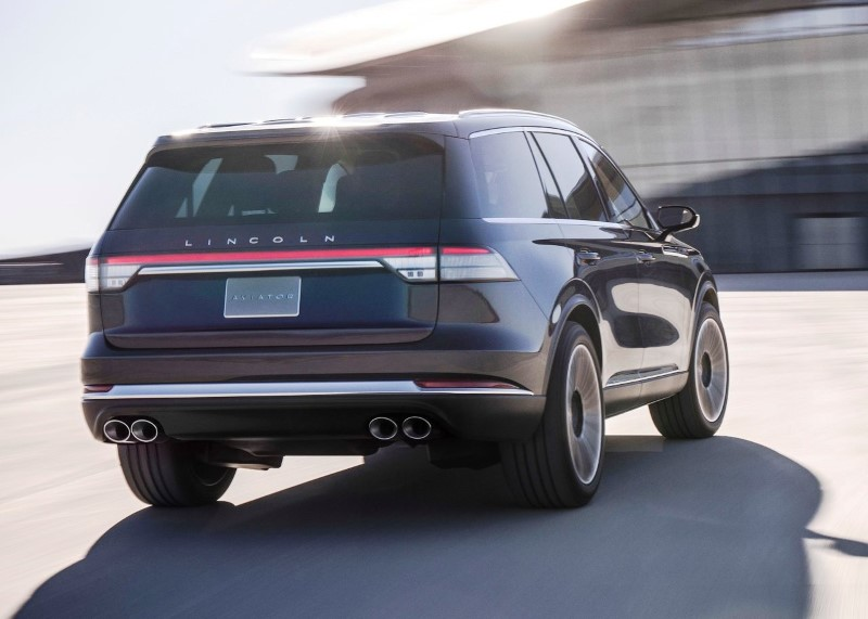 2020 Lincoln Aviator Review - Big SUV With Big Power