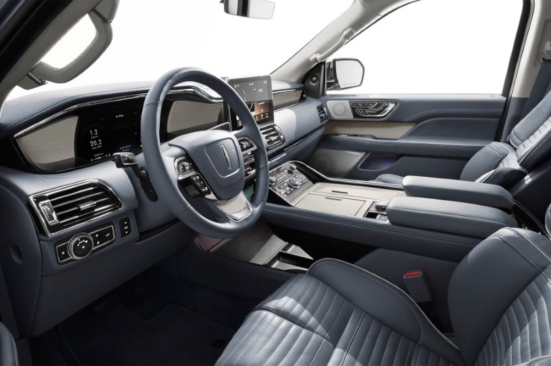 2020 Lincoln Town Car New Features