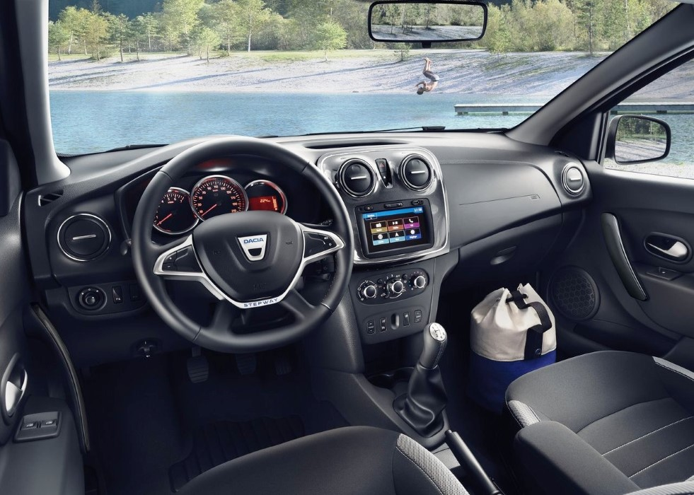 2020 Dacia Sandero Stepway Interior Features