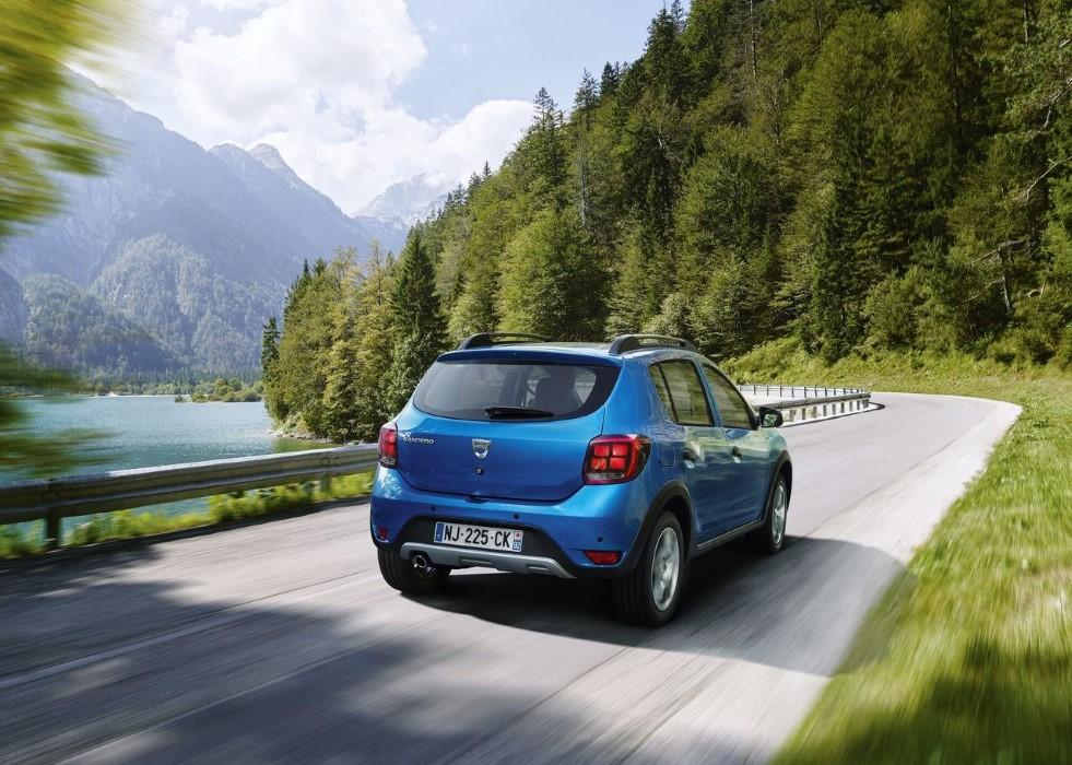 2020 Dacia Sandero Stepway Performance & Fuel Economy