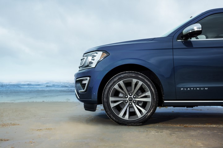 2022 Ford Expedition Wheel Size Platinum Blue Exterior